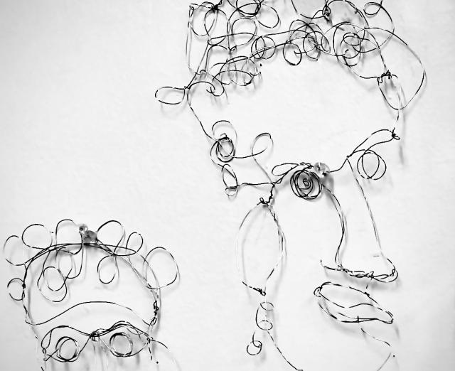 Wire sculpture formed into portrait by Shelly Lowenstein
