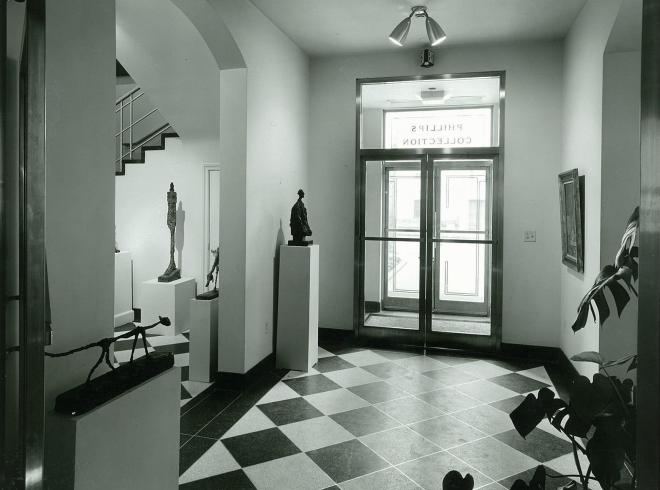 Photograph of 1960s Annex entrance with Giacometti exhibition