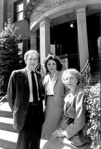 Photograph of Laughlin Phillips, his wife Jennifer Phillips, and his mother